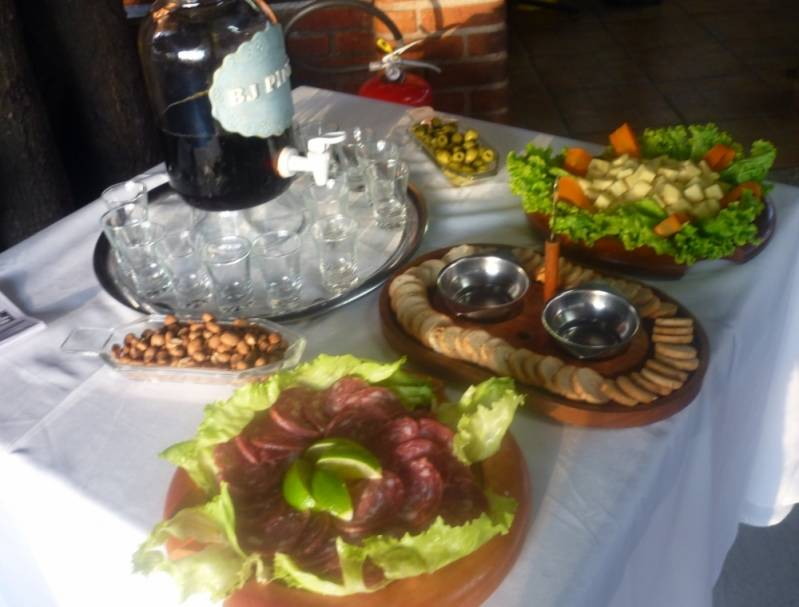 Buffet de Feijoada a Domicílio Completo na Santa Efigênia - Buffet de Feijoada a Domicílio